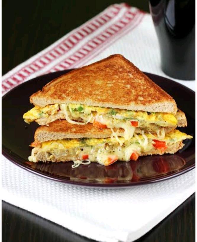 Omlet sandwich