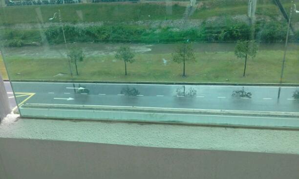 Rainy Roads Rainy Roads....