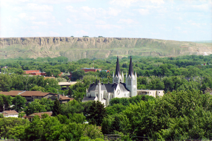 Should you move to Medicine Hat?