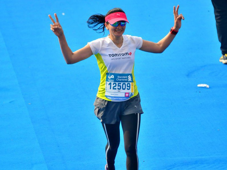 Can You Run A Marathon in a Saree ??? Well Meet Kranti Salvi – Fastest Runner in a Saree